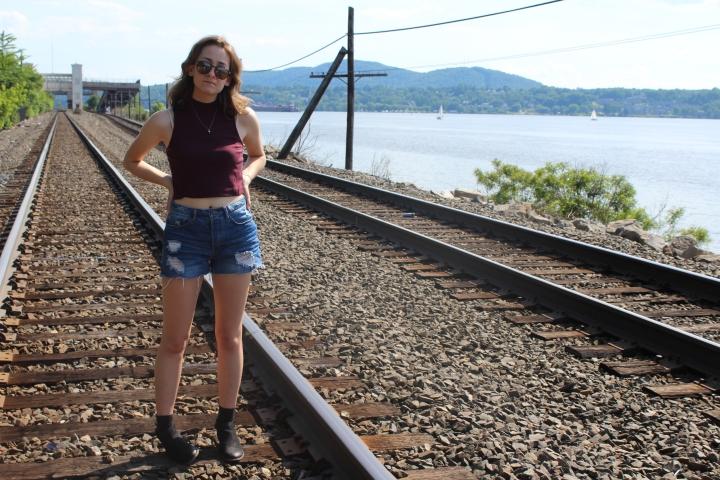 Shirt: H&M Shorts: H&M Boots: Zara